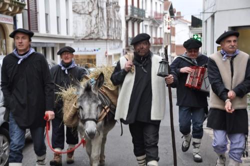 Olentzero arrive en ville (crédit: Hendaye Blog Sudouest)